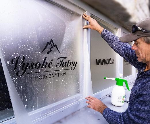 Polep okna, imitácia pieskovania