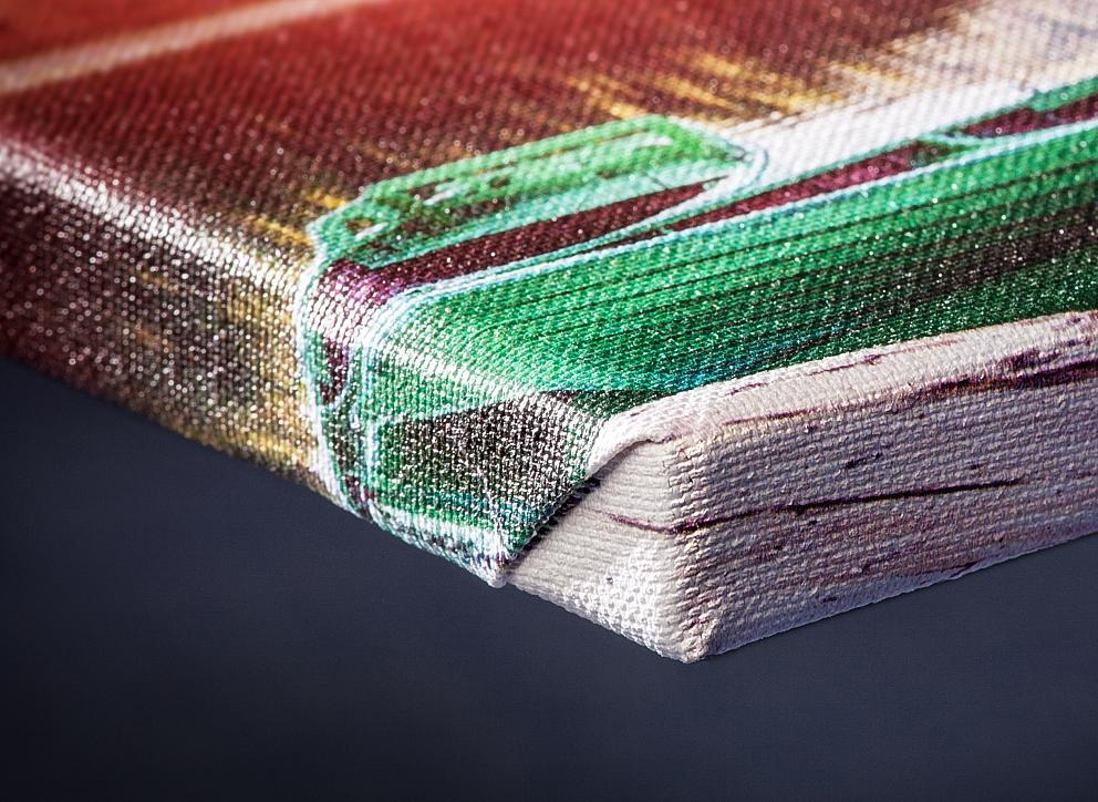Detail rohu plátna napnutého na ráme